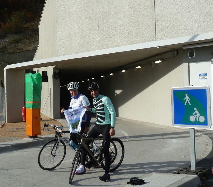 le tunnel cycliste du mont du chat cyclisme pour tous. Black Bedroom Furniture Sets. Home Design Ideas